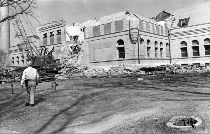 Demolishing the Minne Lusa Pumping Station, North Omaha, Nebraska