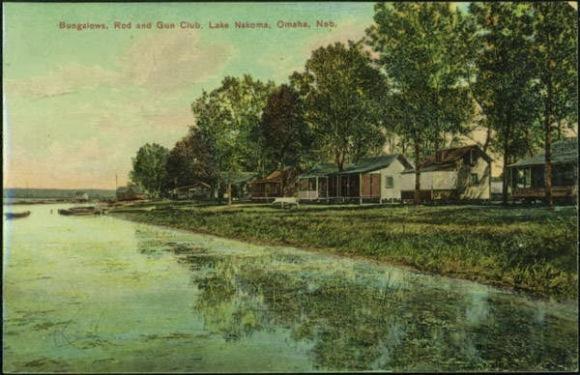 A historic postcard for Bungalows at the Rod and Gun Club, Lake Nakoma, Omaha, Nebraska
