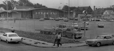 Safeway, 24th and Lake Streets, North Omaha, Nebraska
