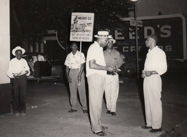 Picketing against Reed's Ice Cream racist hiring practices in Omaha.
