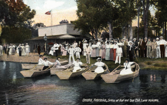 A postcard from the Rod and Gun Club on Lake Nakoma from the early 20th century. Image courtesy of the Omaha Public Library.