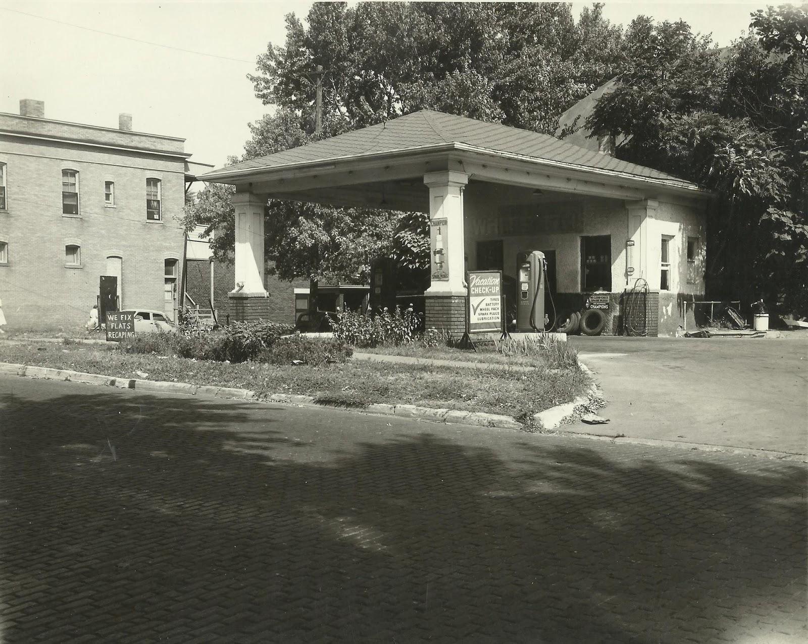 Phillips 66, North 40th and Hamilton Street, North Omaha, Nebraska