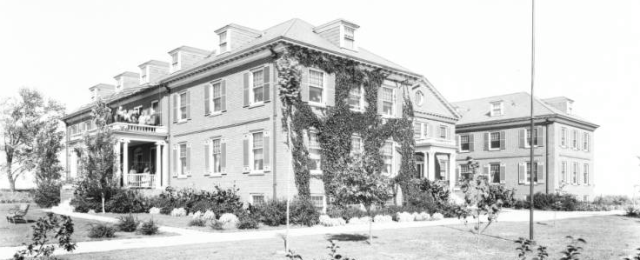 Leo Vaughn Manor, Fontenelle Boulevard, North Omaha, Nebraska