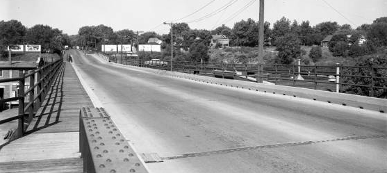 This is looking west on the viaduct in 1955. The warehouse below the viaduct on the left is still there, as are several of the houses at the top of the hill.