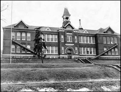 The second Florence School opened in late 1889 at 8516 N. 31st. St. Students used to come to school in a farm wagon with straw for seat. Demolished in 1961, a new building was constructed for Florence Elementary School at 7902 No. 36th St. The original steps to the building on 31st Street are still in tact on the hill.