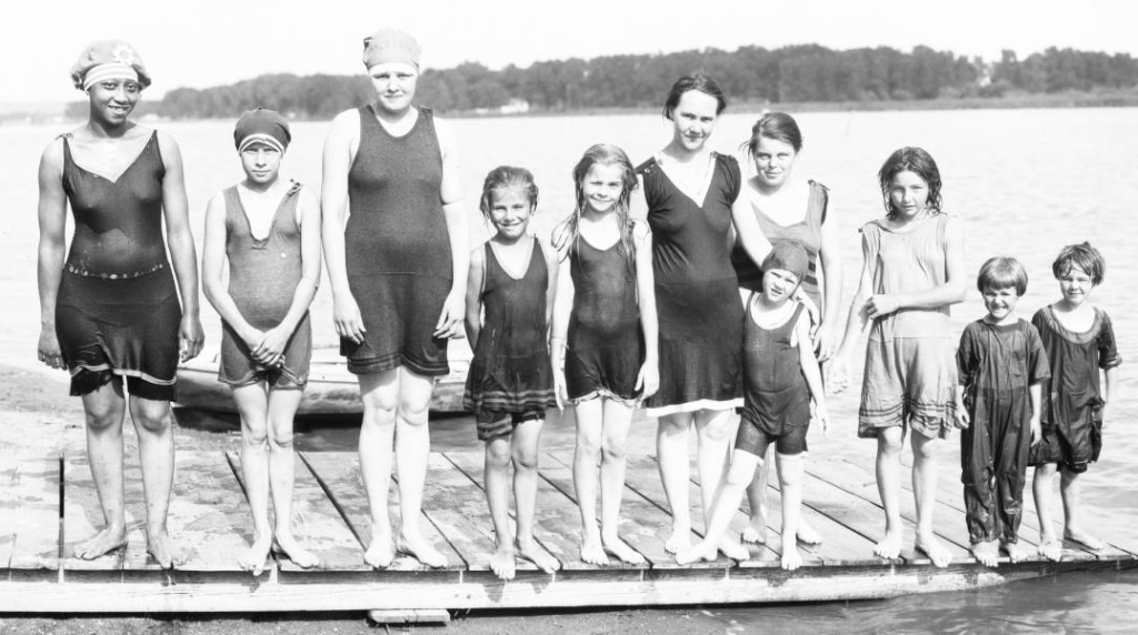 Swimming at the Omaha Municipal Beach on Carter Lake in 1919