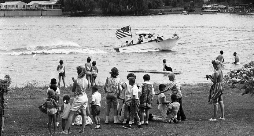 This 1940s pic shows popular boating at Carter Lake.