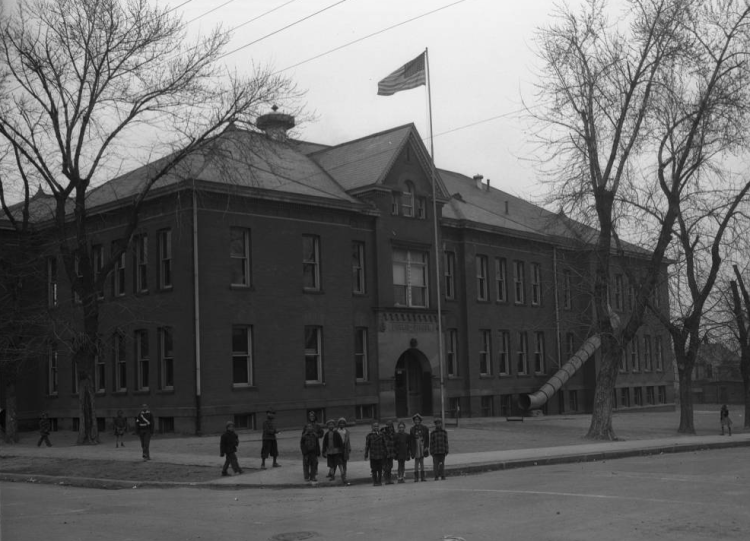 This is the former Long School, located at 2520 Franklin Street from 1893 to (est) 1985.