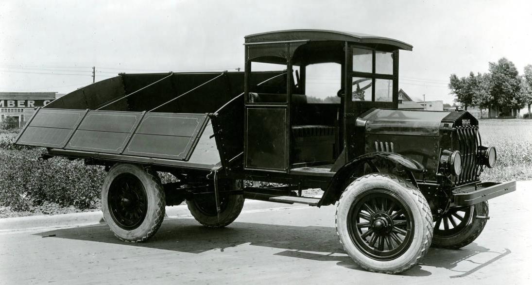 Douglas Motor Company 1919 Dump Truck