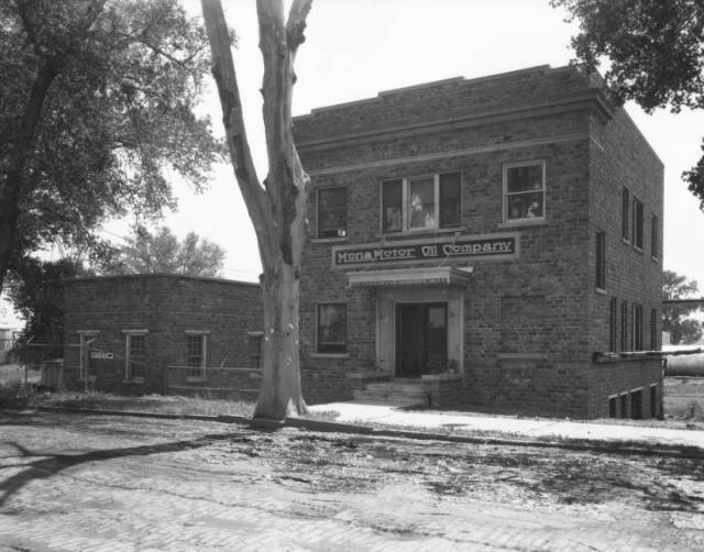 1930 Mono Motor Oil Company, East Omaha, Nebraska