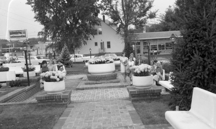 North Side Bank garden with North High students