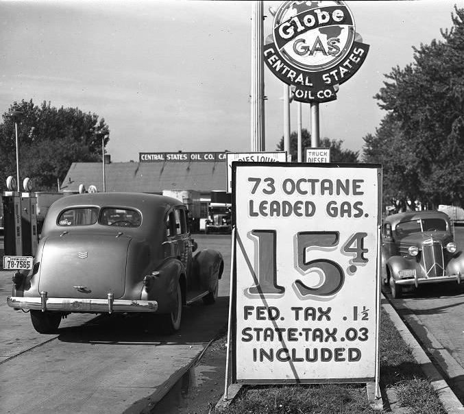 1940 Globe Gas Station, Omaha, Nebraska