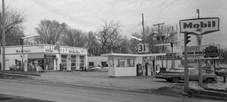 1962 pic of Koborg Brothers Mobil Filling Station, N. 47th and Hamilton Streets, North Omaha, Nebraska