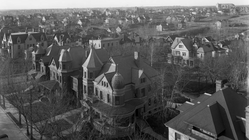 A 1920s birds eye view of the Gold Coast Historic District, looking northwest from 36th and Farnam.