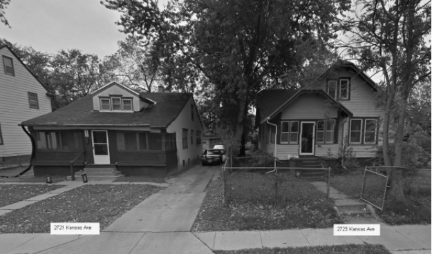 Google StreetView of homes pictured in background of photo in the Omaha World-Herald article shown above.