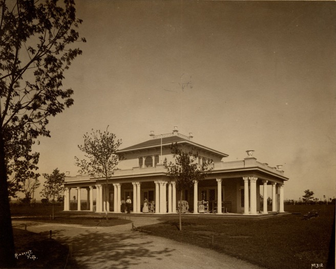 The New York Building was the image of an upstate New York estate. After the expo it was reportedly dismantled and used as a home. It was located at the Trans-Mississippi Expo of 1898 in North Omaha Nebraska