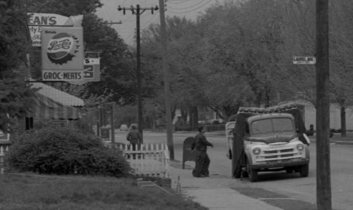 Feldman's Groceries and Meats, 24th and Laurel Streets, North Omaha, Nebraska
