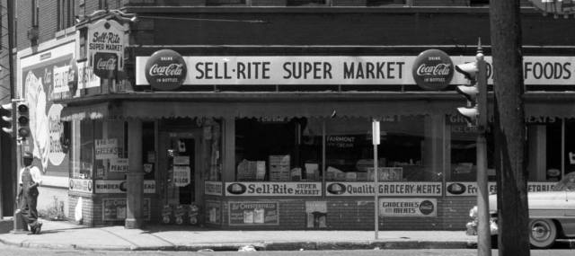 Sell-Rite Super Market, N. 24th and Lake Streets, North Omaha, Nebraska