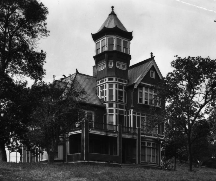 Thomas Mansion, 958 N. 27th Ave, North Omaha, Nebraska