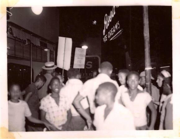 Picketing, Reed's Ice Cream, 3106 North 24th Street, North Omaha, Nebraska