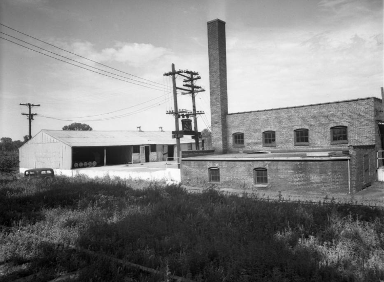 This is the Presto-Lite factory at 11th and Ave H Street in the North Omaha bottoms.