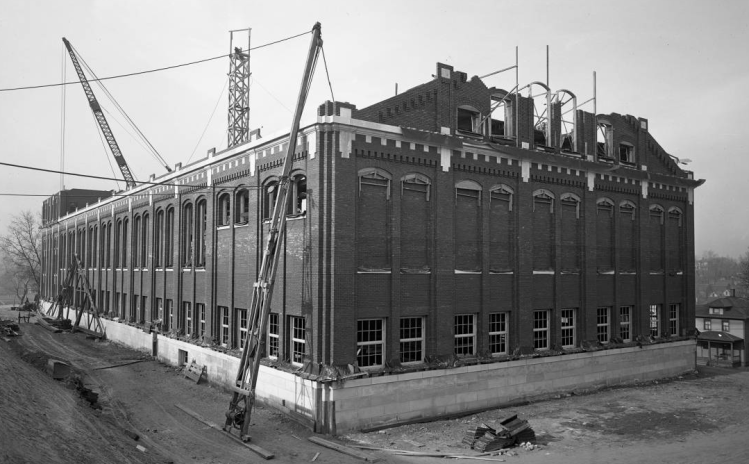 1915 Creighton University Gym Construction