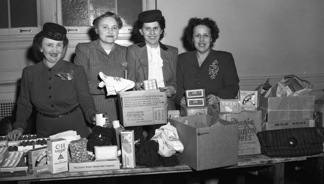 This is a 1945 pic of Jewish women in Omaha packing food for Russian War Relief. Pic courtesy of Durham Museum.